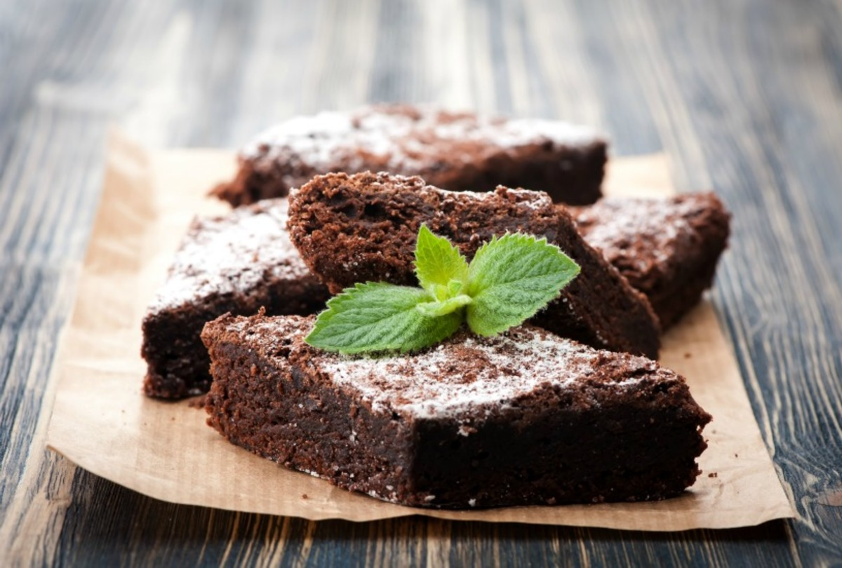 Fudgy Brownies - these fudgey and cakey brownies are perfectly chocolatey for everyone's favorite dessert
