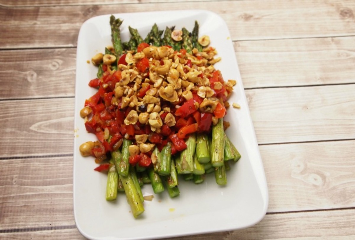 roasted-asparagus-with-hazelnuts