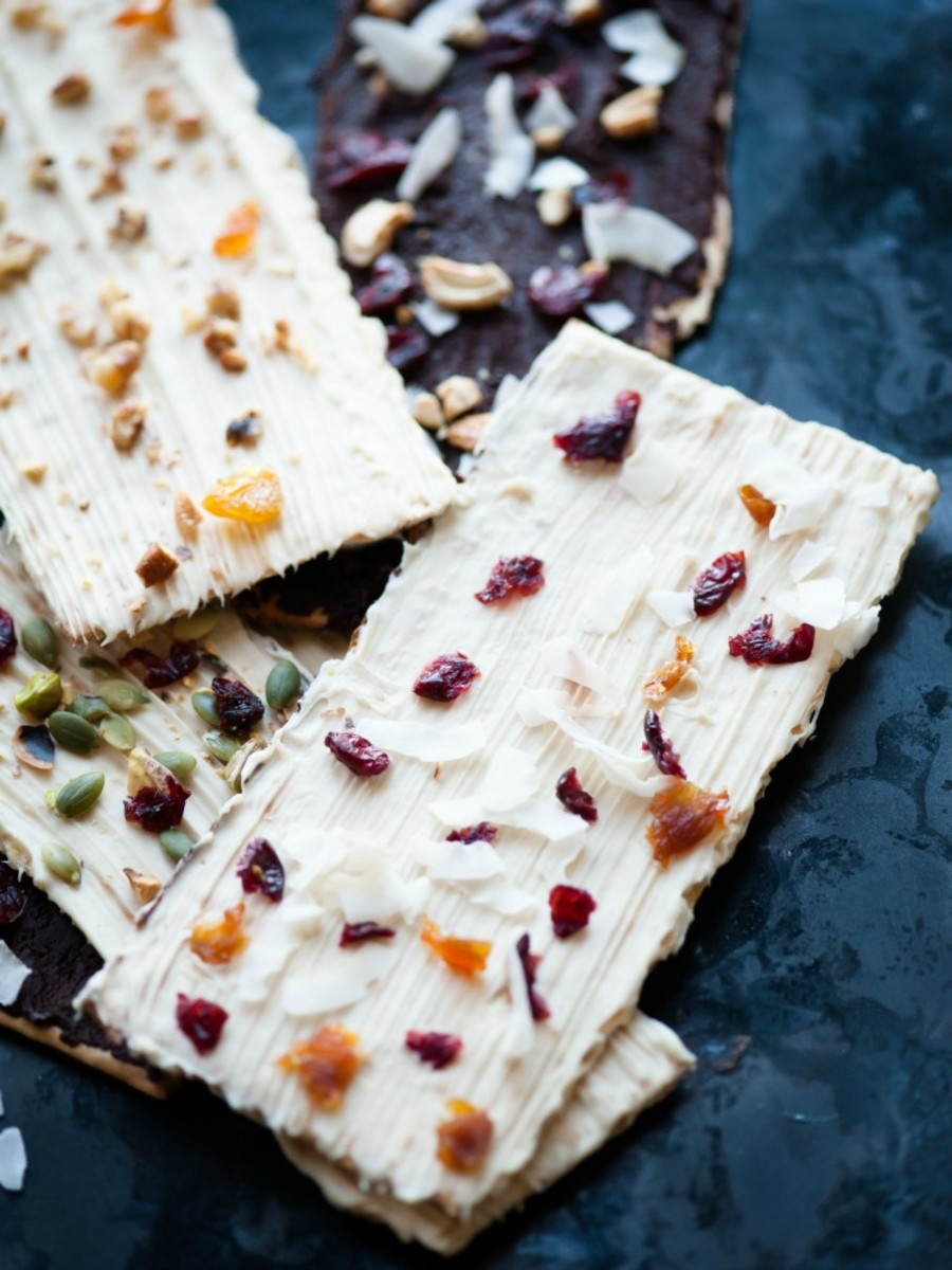 Chocolat Covered Matzo Bark - use your best chocolate, your favorite toppings and make this delicious bark for Passover