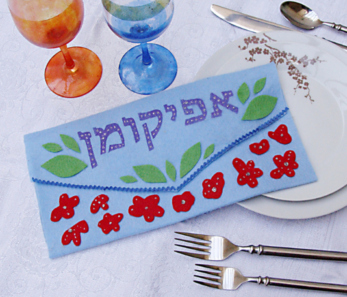 Do it yourself crafts for your seder joy of kosher for every jewish holiday there are loads of crafts we can make with our kids or even on our own as adults it is fun to have our personalized items to use solutioingenieria