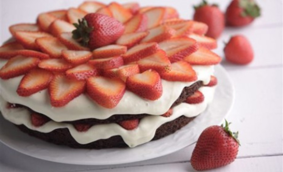 summer-berry-cake