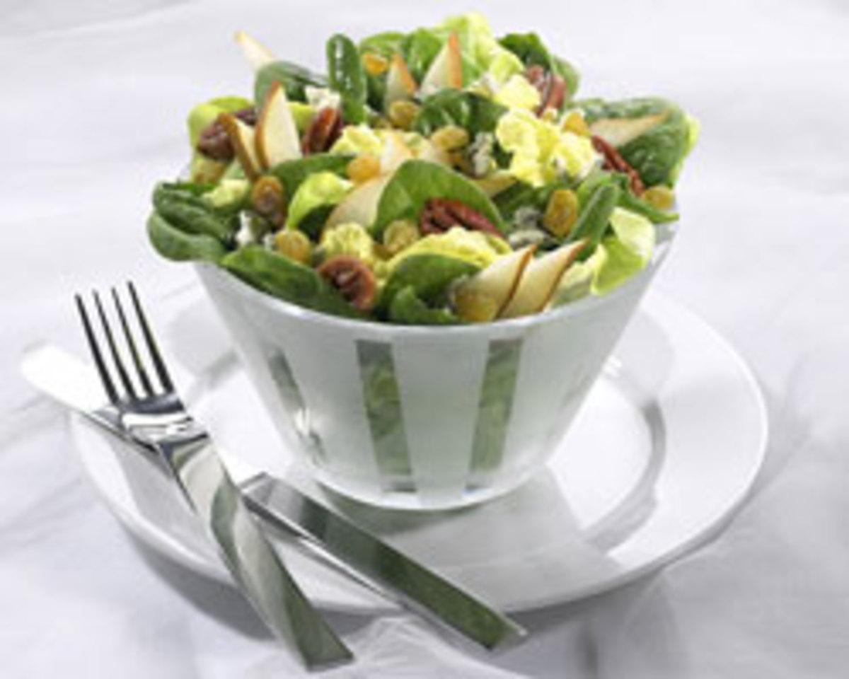 Pear, Raisin and Gorgonzola Salad