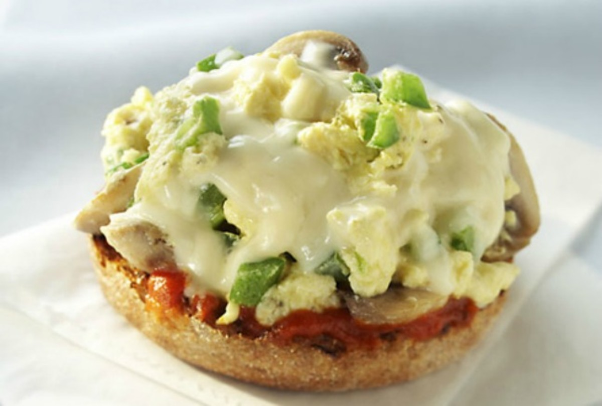 Scrambled Egg and Mozzarella Breakfast Pizza