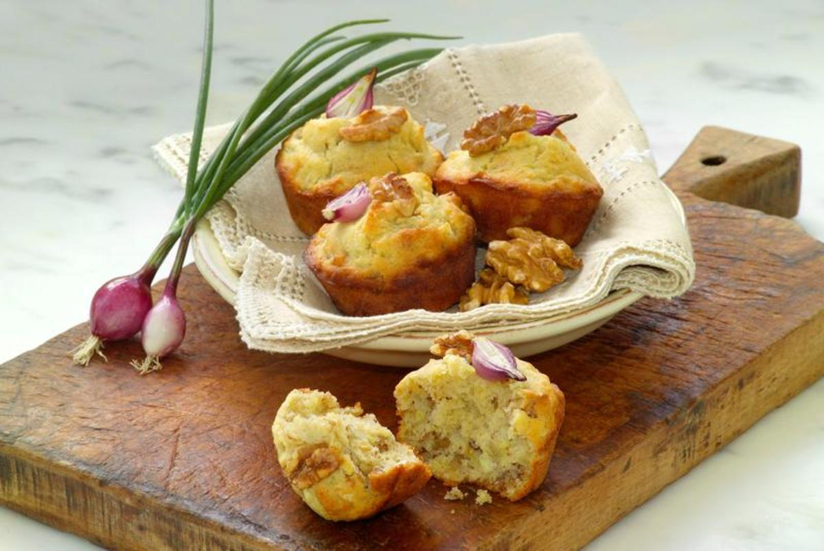 Walnut – Onion Muffins