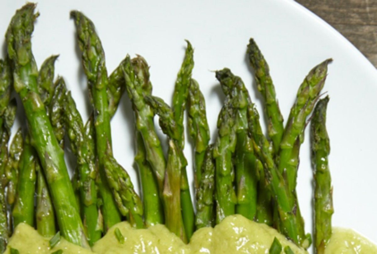 Roasted Asparagus with Green Onion Dressing