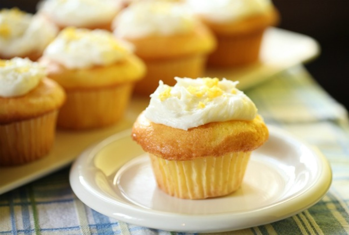 Lemonade Cupcakes with Lemonade Frosting
