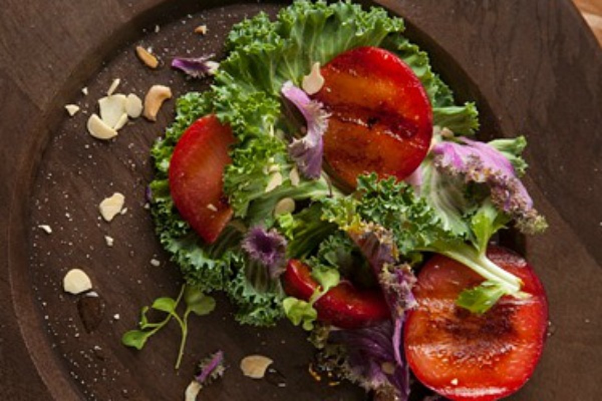 Grilled-Plums-with-Kale-Salad
