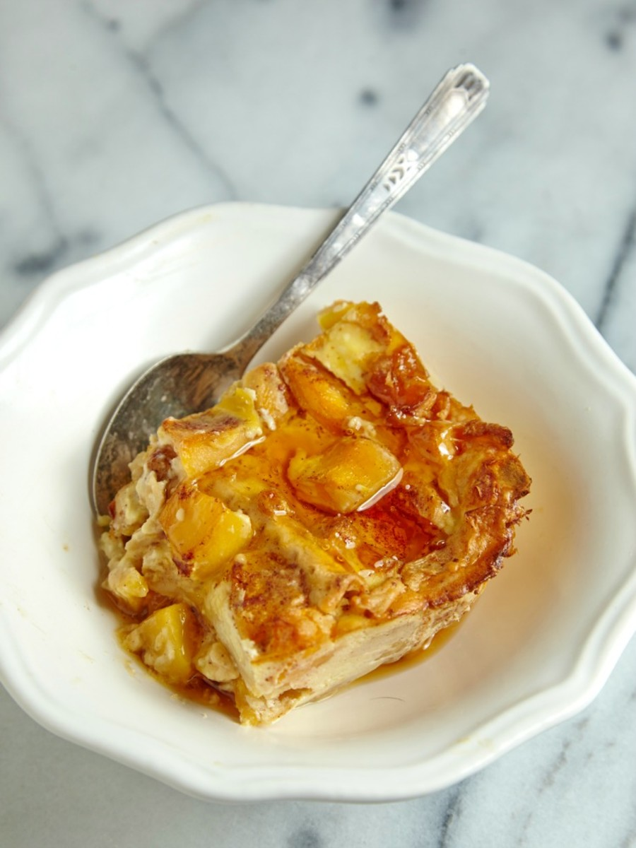 Banana and Peach Matzo Brie Bake - easy to make ahead and have ready for all your guests the next morning