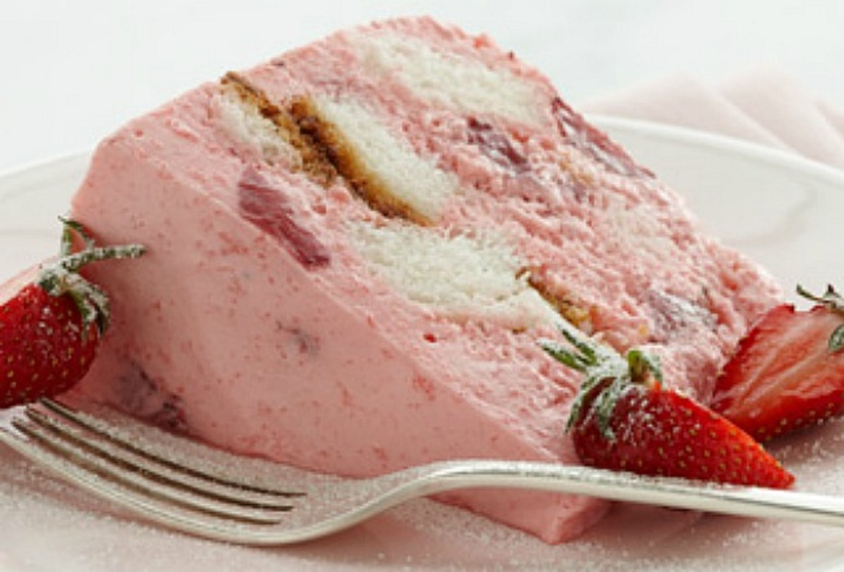 angel-food-cake-strawberry-bavarian