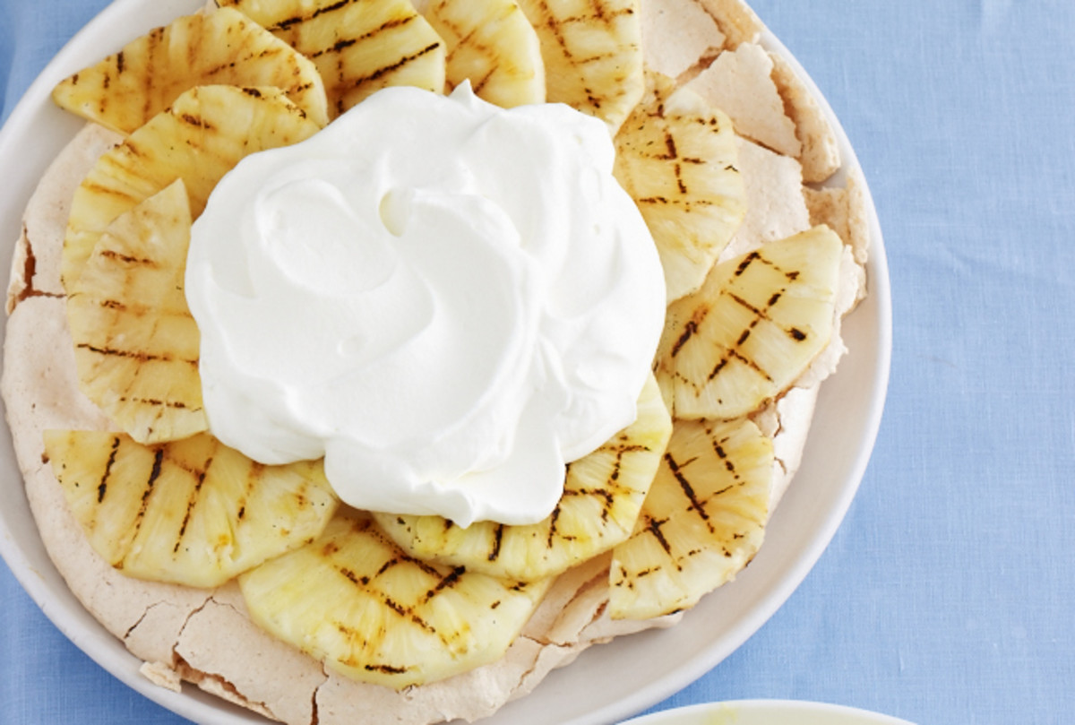 Pavlova with Grilled Pineapple