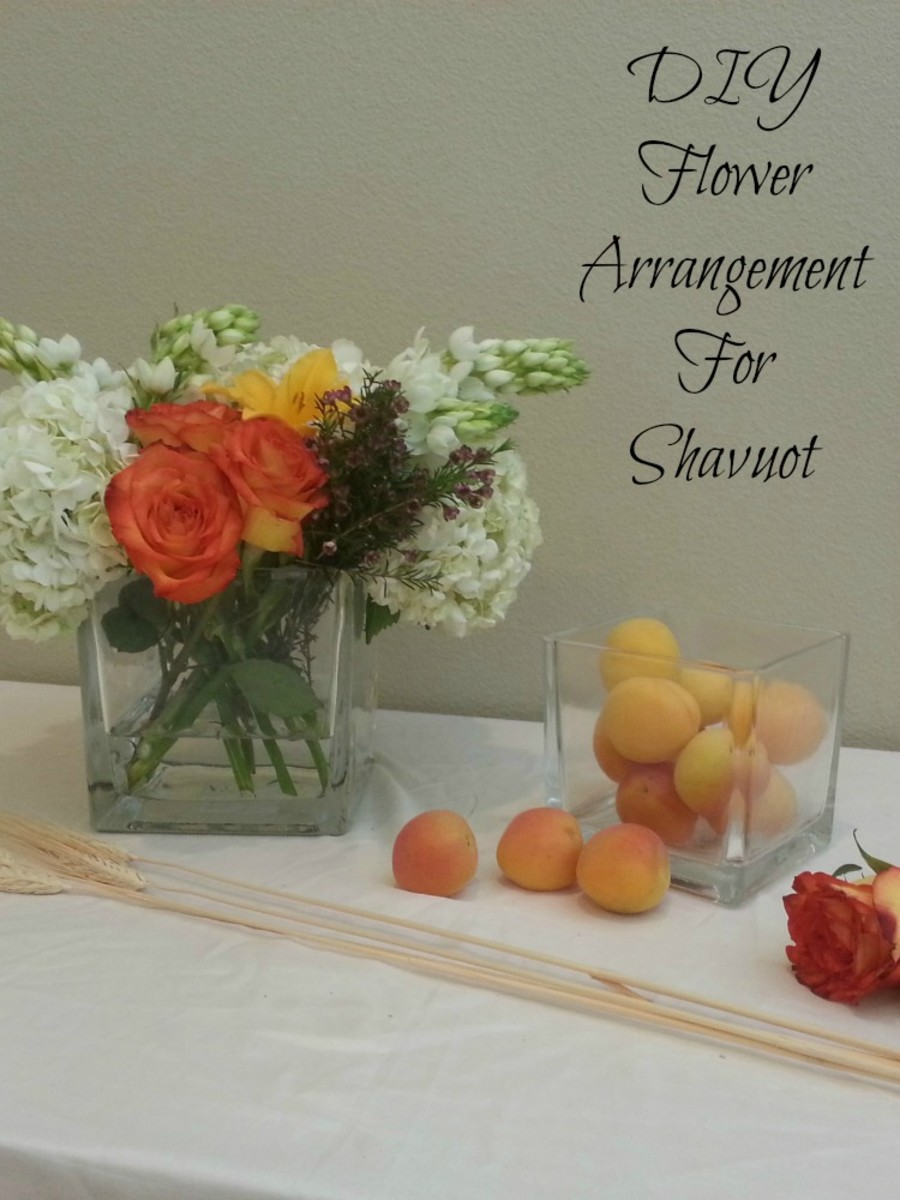 DIY Flowers Centerpiece for Your Table