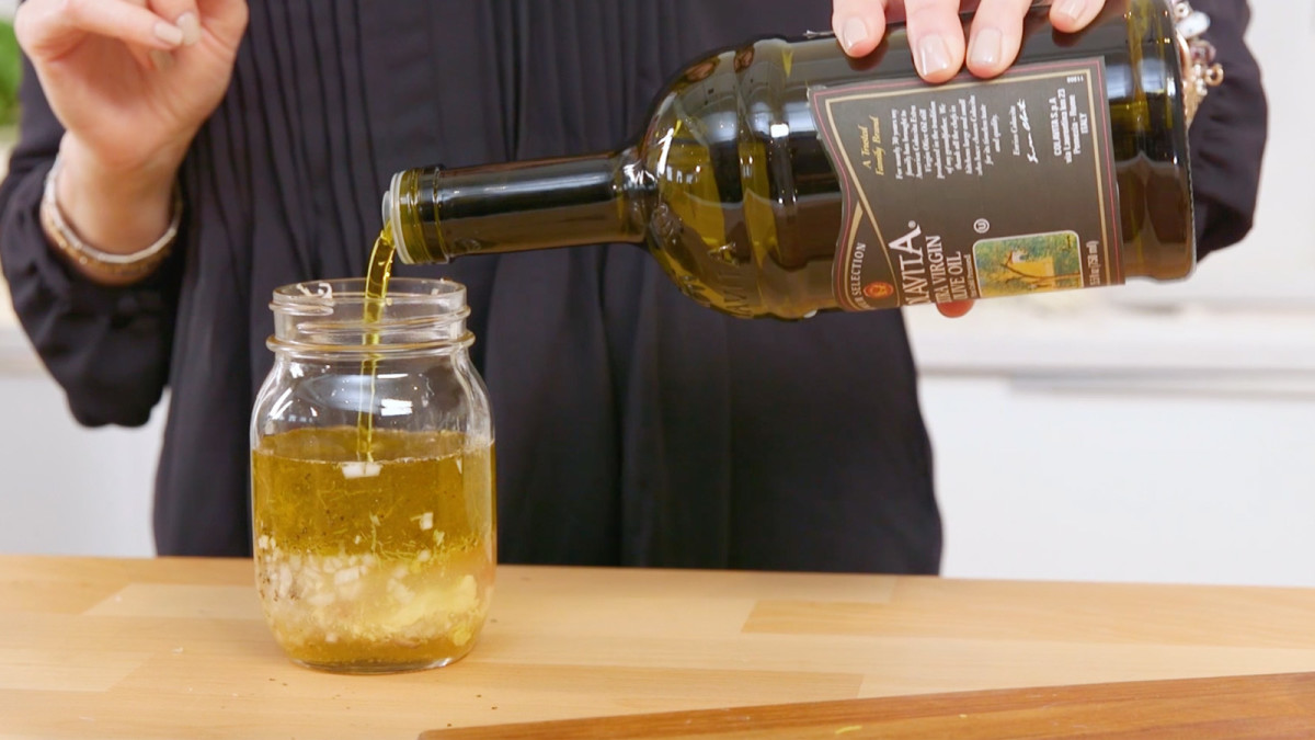 shaker vinaigrette.jpg