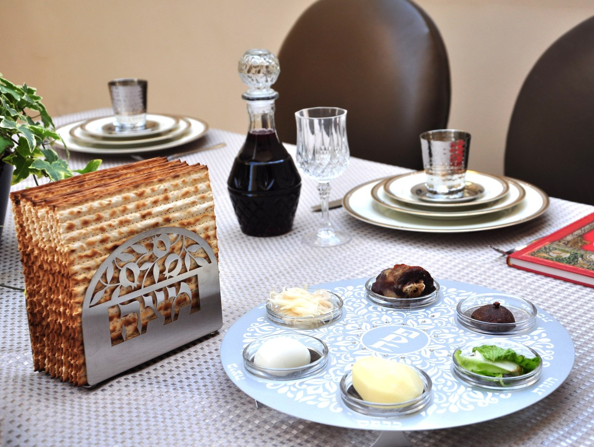 How To Decorate Your Passover Seder Table - Joy of Kosher