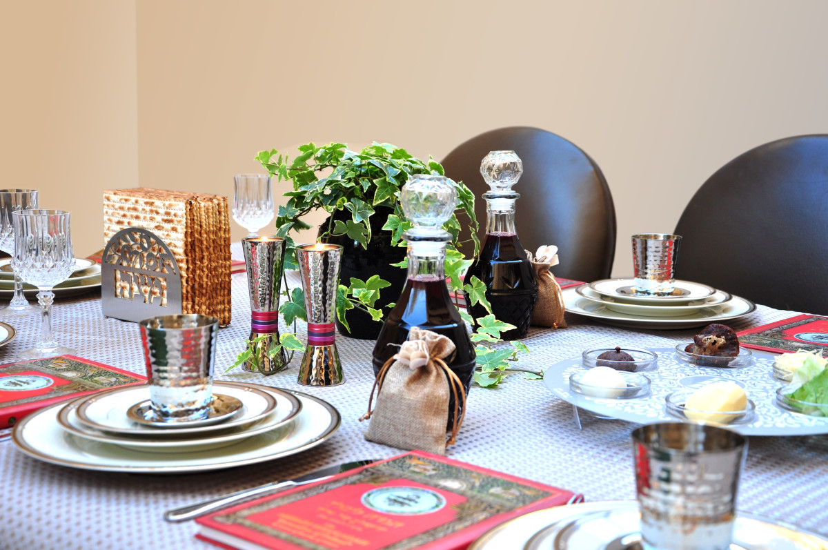 Passover seder tablescape