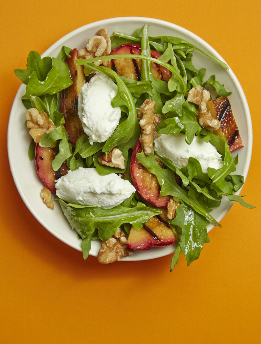 Grilled Peach and Goat Cheese Salad