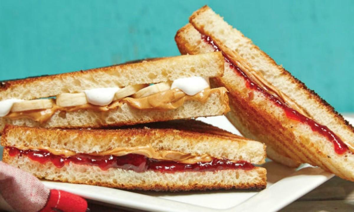 peanut butter grilled sandwich.jpg