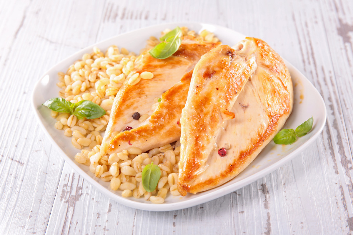 Baked Chicken with Apples and Barley