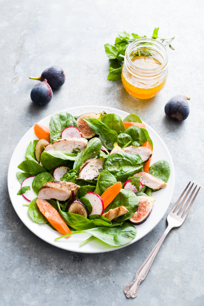 Fig, Carrot and Spinach Salad with Grilled Chicken