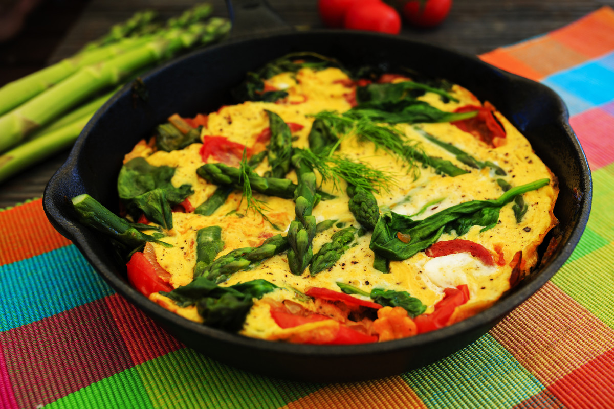 Asparagus Frittata with Red Bell Peppers