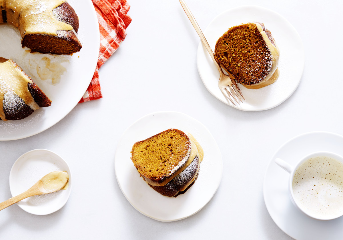 Pumpkin-Maple Bundt Cake