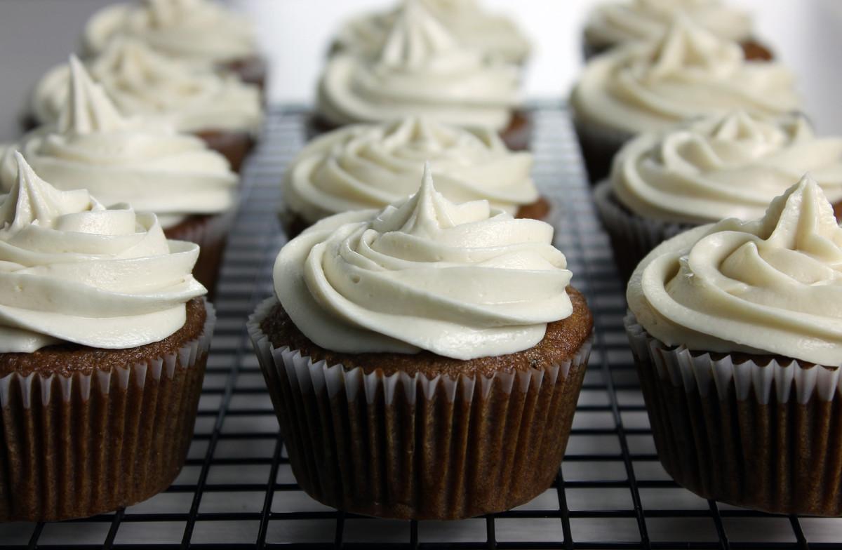 bigstock-Vegan-Applesauce-Cupcakes-With-37549222.jpg