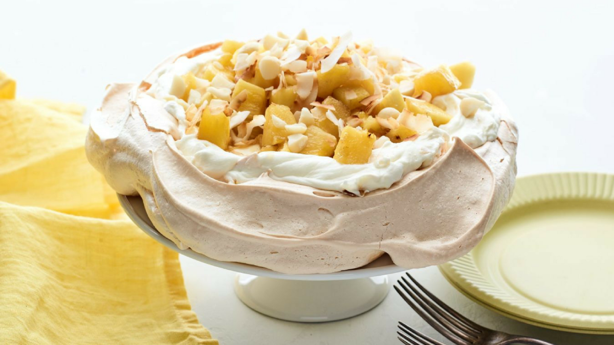 brown sugar pineapple pavlova
