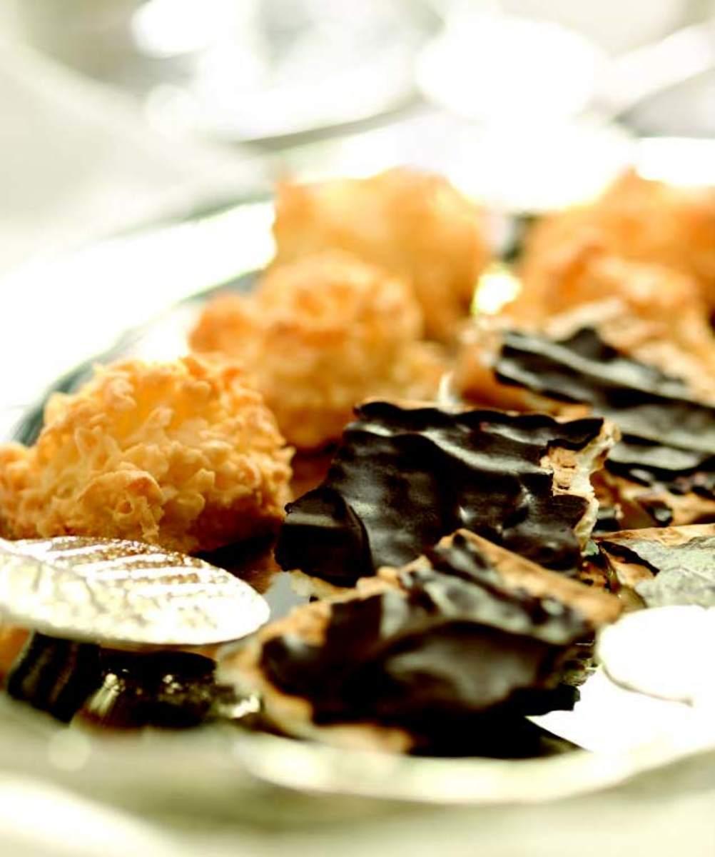 CHOCOLATE-COVERED MATZOHS