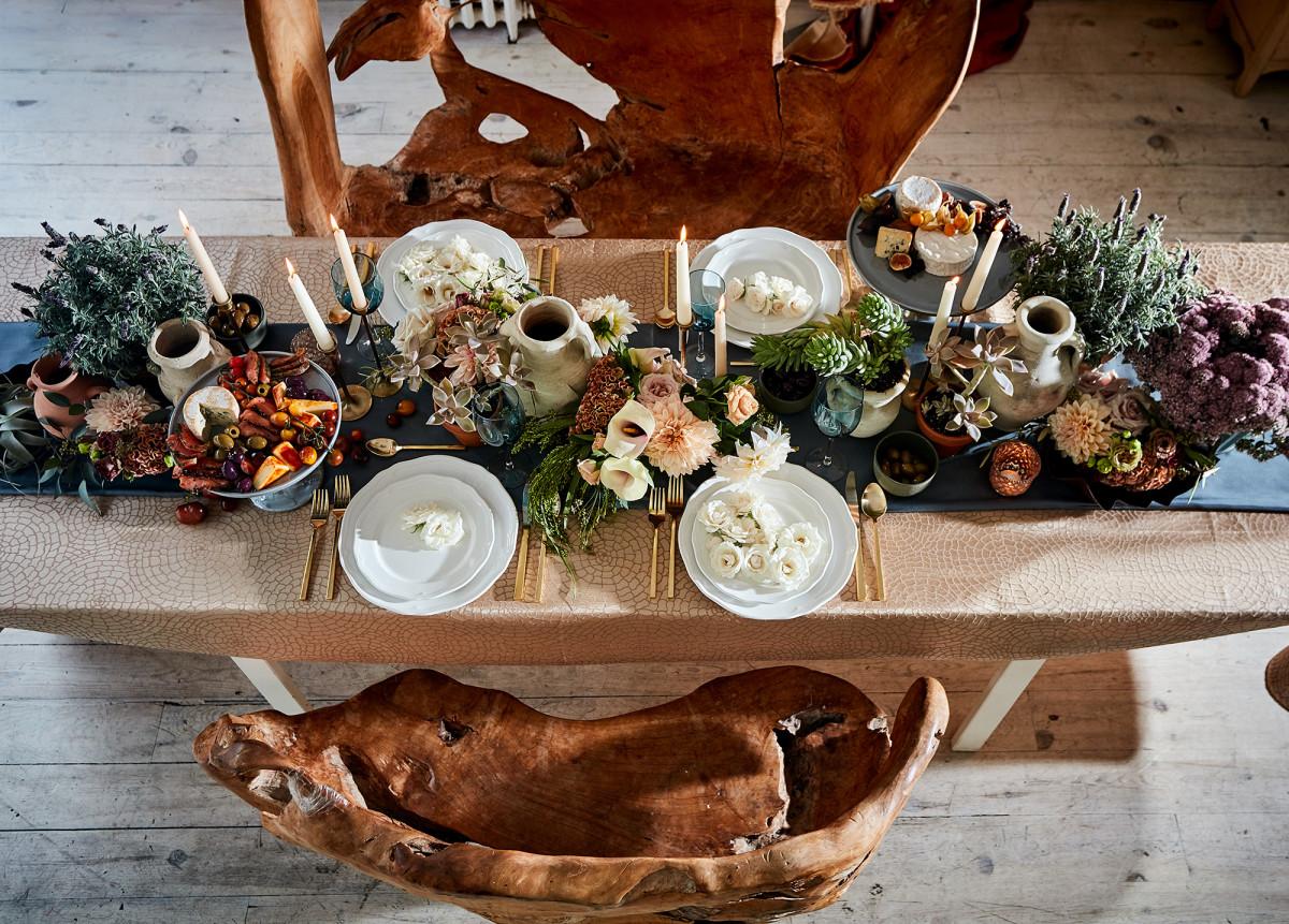 Tablescape designed by mimulo.com