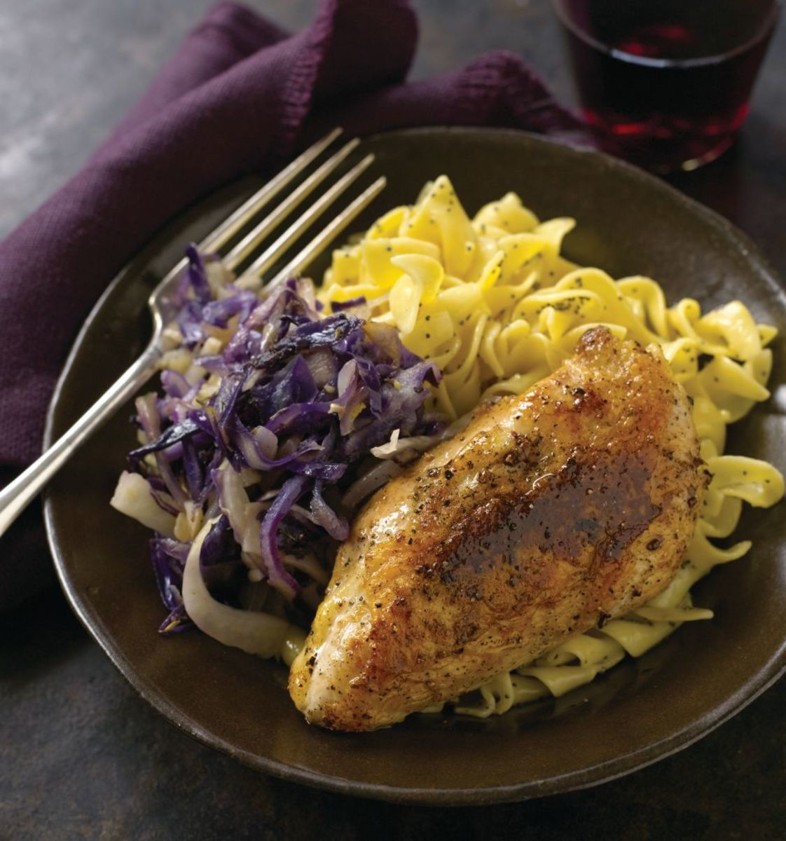 Chicken with Braised Red Cabbage and Fennel